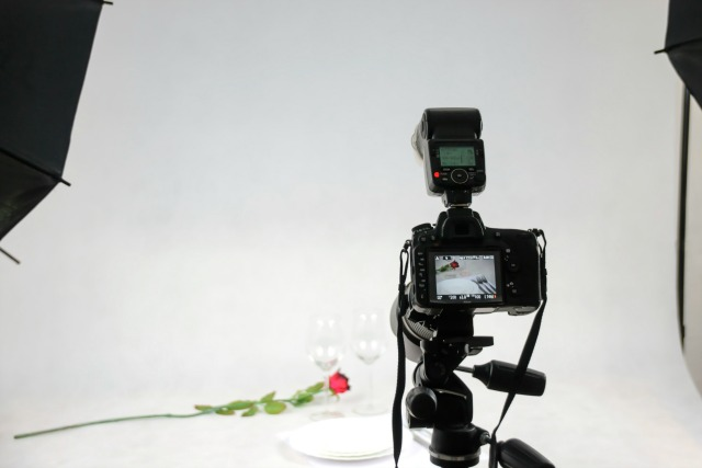 Choosing lighting for product photography